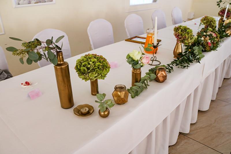 złote-dekoracje na stół młodych warszawa