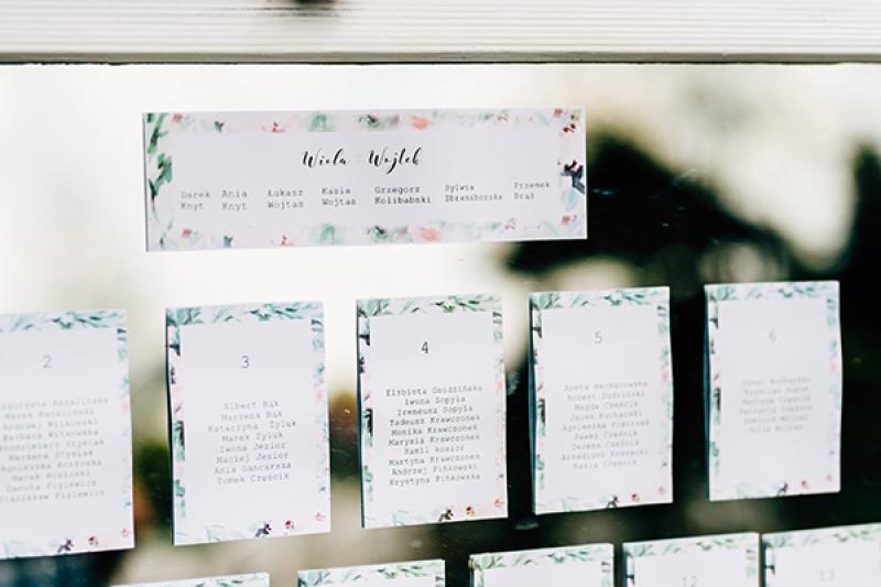 usadzenie gości lustro dekoracja weselna boho