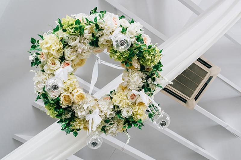 dekoracje ślubne boho  wianek dekoracja sufitu wesele warszawa