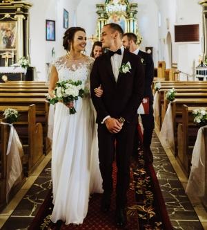 bukiet do ślubu biało zielony