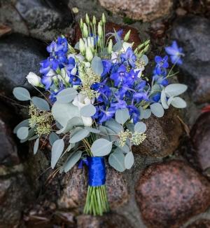bukiet ślubny warszawa niebieski ostróżka