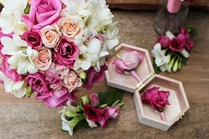 róża frezja eustoma bukiet ślubny warszawa