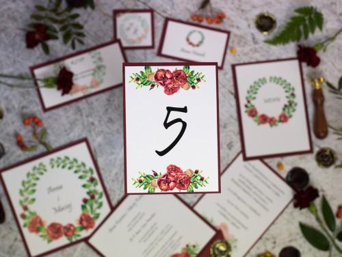 numer-stolu-wianek-czerwone-roze
