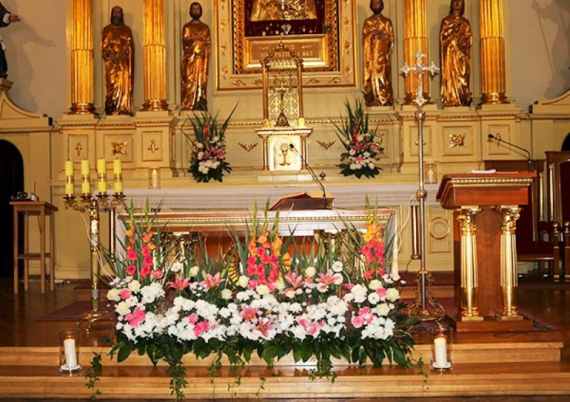 dekoracja kościoła ślubna