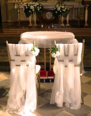 dekoracja-krzesel-do-slubu