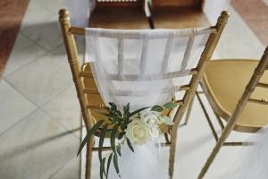dekoracja krzesła na ślub