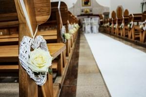 dekoracja ławki róża dekoracje ślubne warszawa