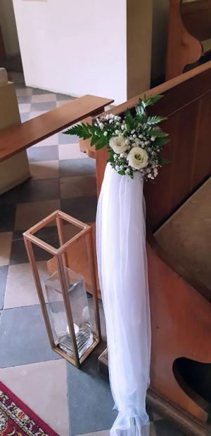 dekoracja ławki ślub geometryczny