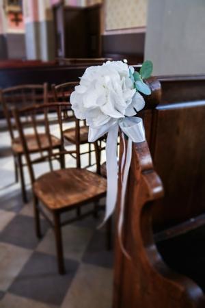 dekoracja ławki ślub warszawa hortensja biała