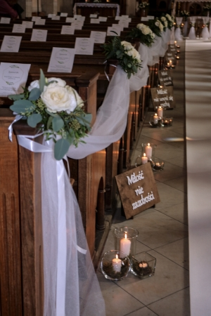 dekoracje kościół warszawa na ślub