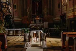 kościół warszawa dekoracja ślubu
