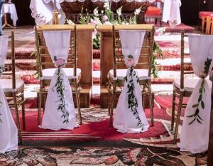krzesła chiavari ślub dekoracja