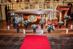 ślub zimowa dekoracja ołtarza dekoracje ślubne warszawa