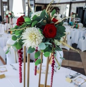 dekoracja geometryczna złoto bordo krem wesele