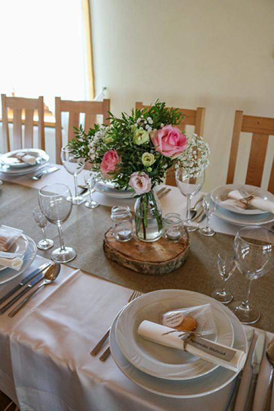 dekoracje sal weselnych warszawa rustykalnie