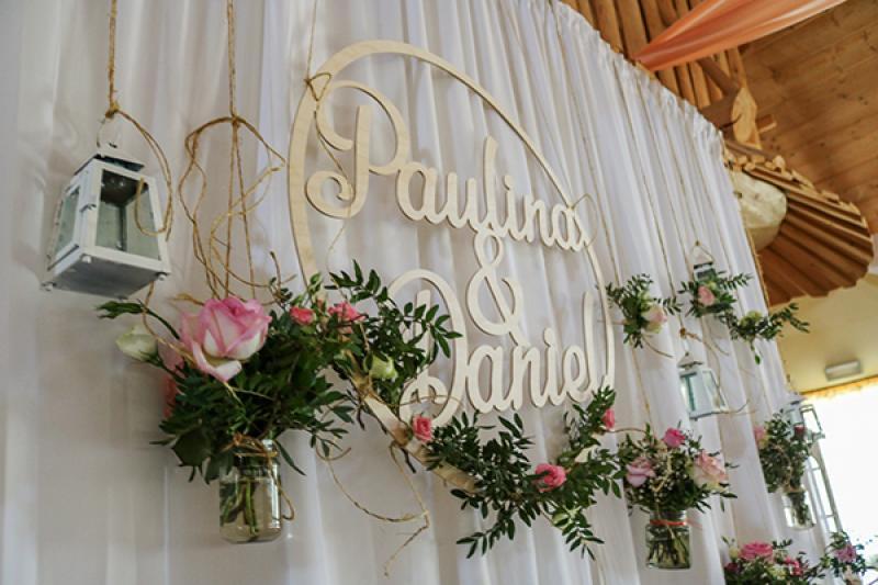ścianka młodych dekoracje ślubne warszawa