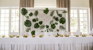 tropikalna dekoracja stół pary młodej