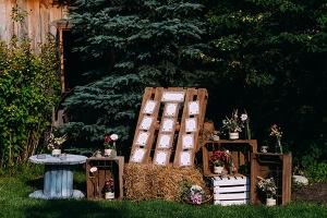wejście dekoracja sali weselnej skrzynki