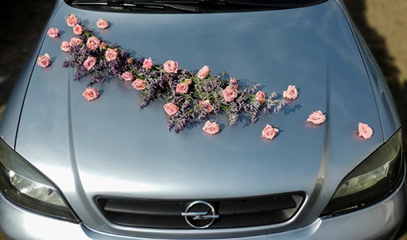 dekoracja samochodu róża