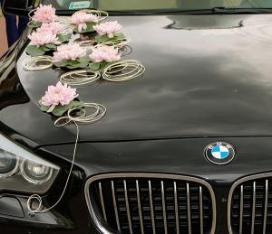 dekoracja samochodu  warszawa różowa ślub