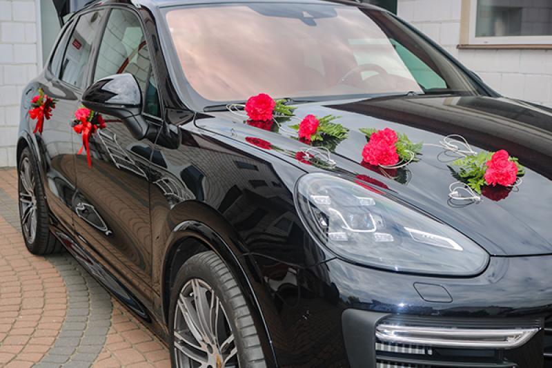 goździki dekoracja auta na ślub warszawa
