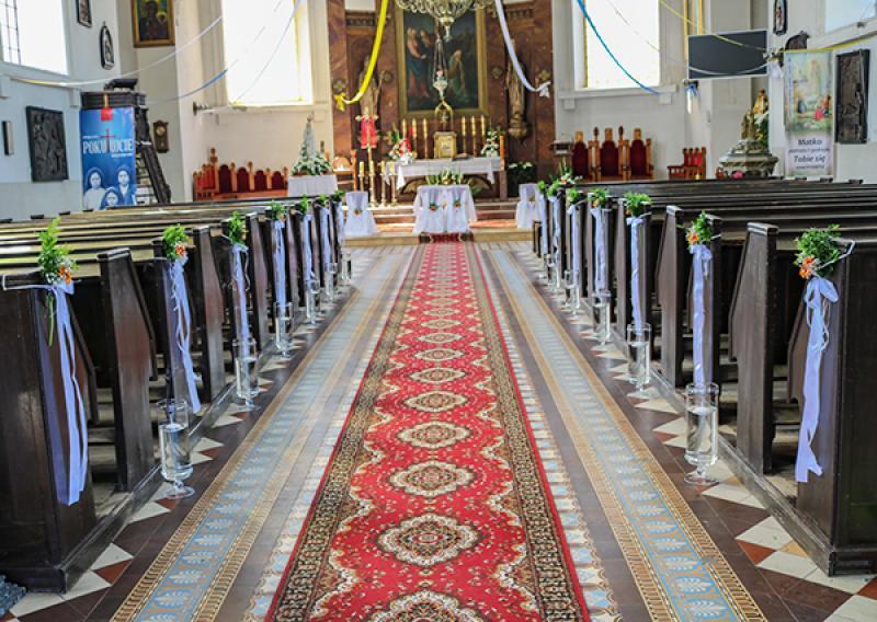 dekoracja kościoła warszawa gerbera świece