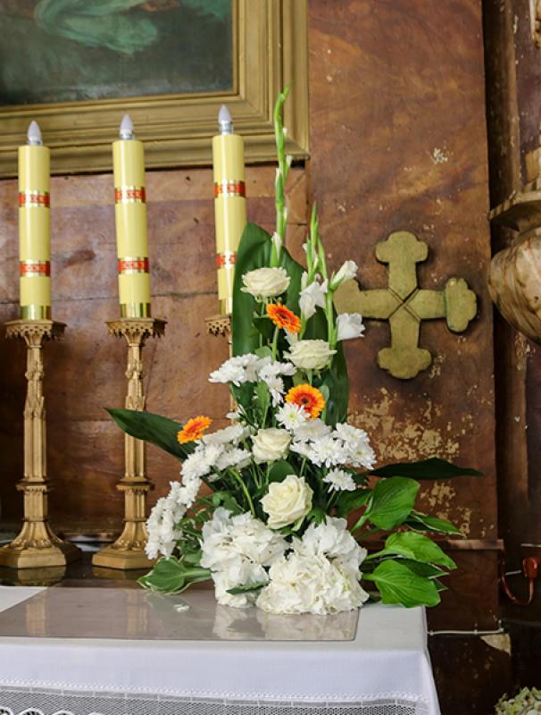 dekoracja kościoła ślub warszawa gerbera pomarańczowa