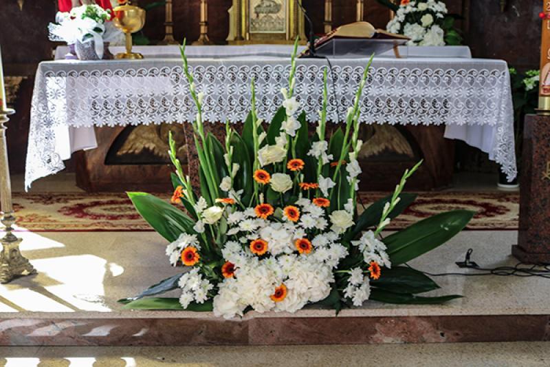 dekoracja ołtarza warszawa gerbera ślub