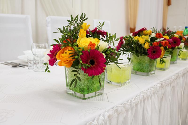 dekoracja stołu wesele warszawa gerbera