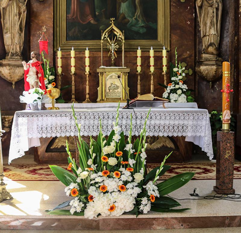 gerbera dekoracja ołtarza na ślub warszawa