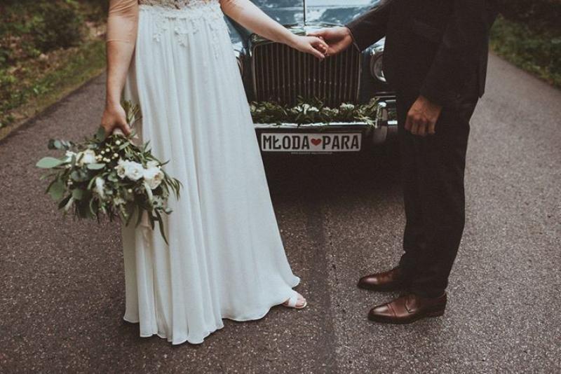 bukiet do ślubu biały