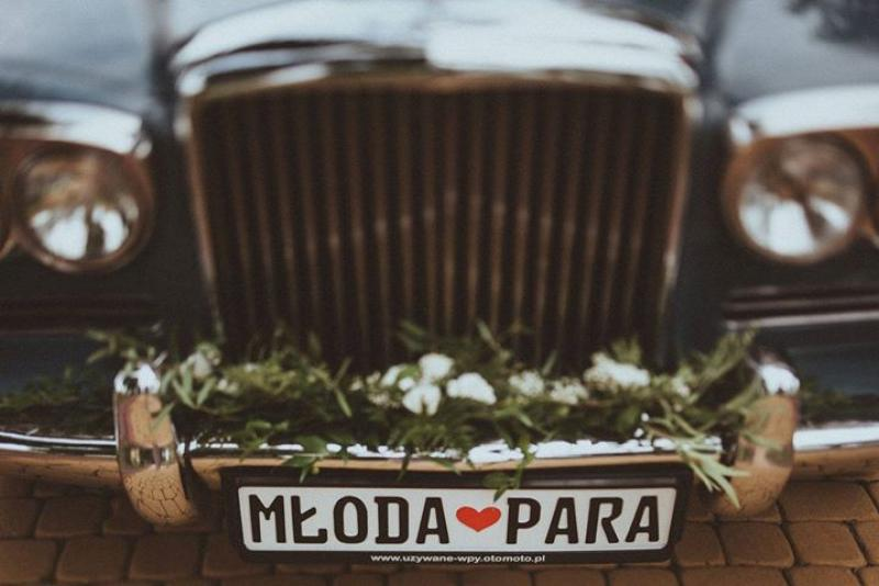 samochód para młoda dekoracje weselne boho