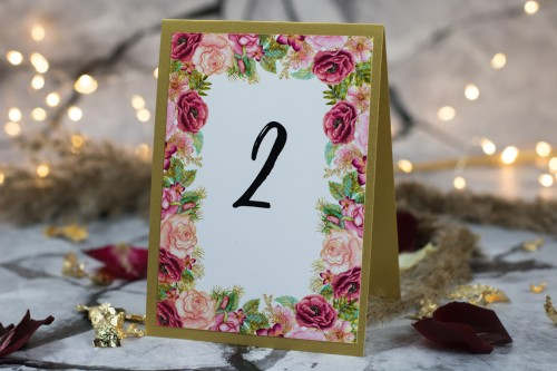 numer-stolu-kwiaty-zloto