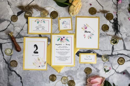 papeteria-slubna-kwiaty-zloto-piora