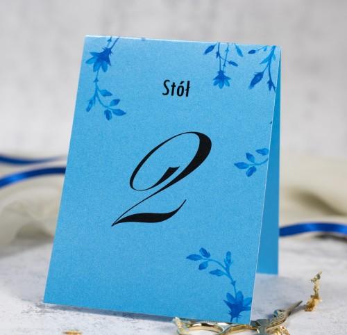 numer-stolu-blekitne-kwiaty