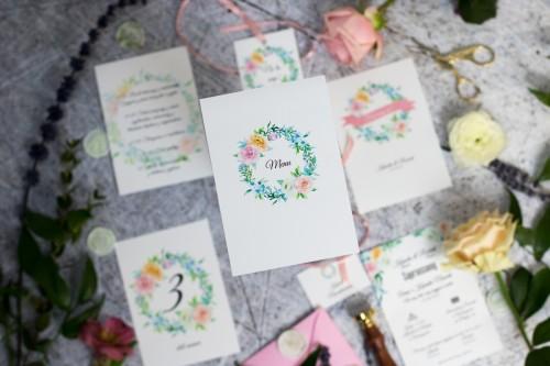 pastelowy-wianek-menu-weselne