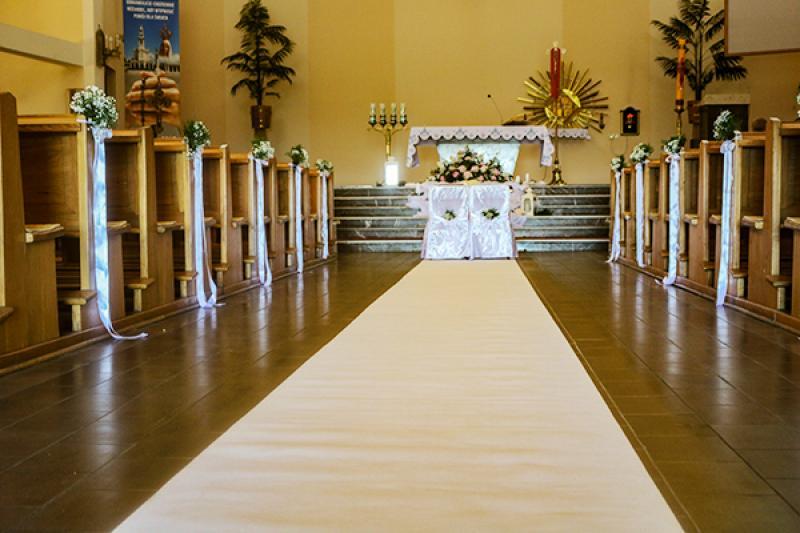 biały dywan peonia dekoracje ślubne warszawa