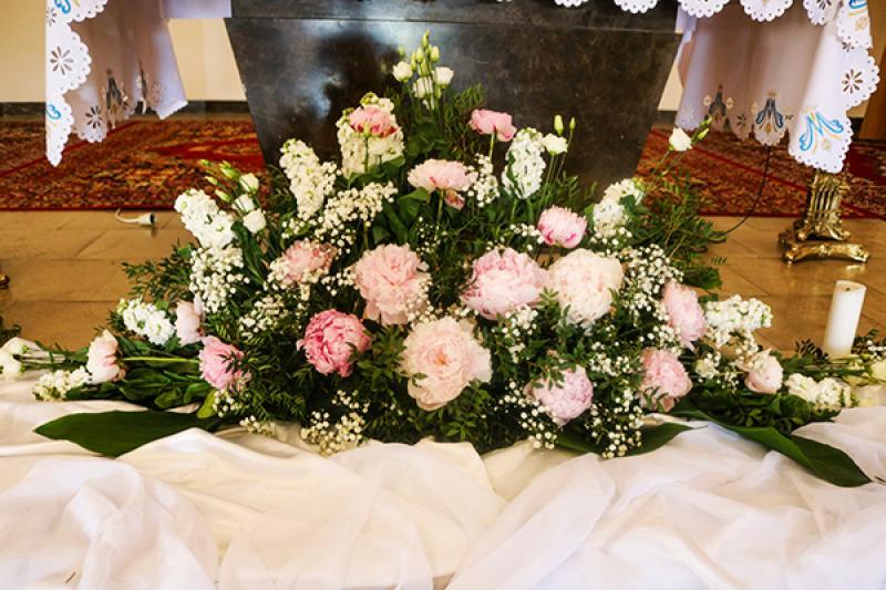 peonia kościół dekoracje ślubne warszawa