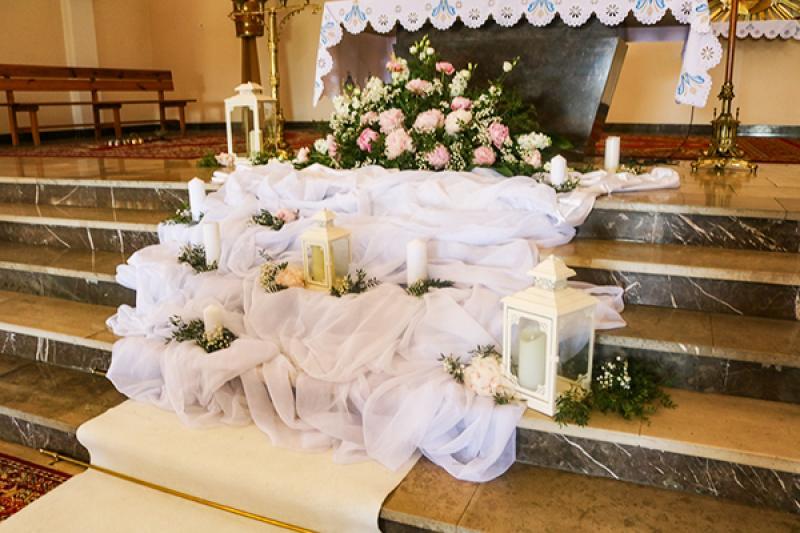 wystrój kościoła na ślub warszawa peonia