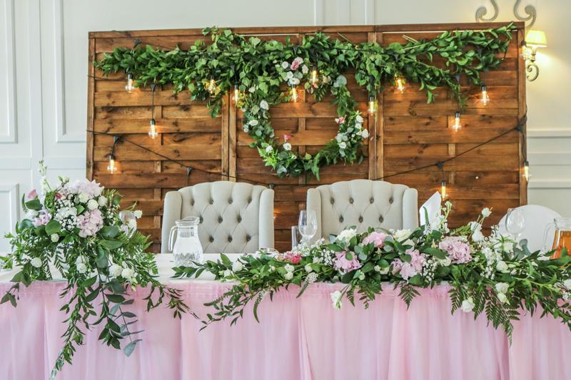 ścinka żarówki dekoracje ślubne dekoracje różowy ślub różowe dekoracje ślubne