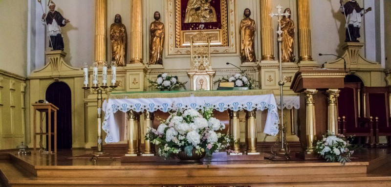 dekoracja ślubna kościoła hortensja różowe dekoracje ślubne