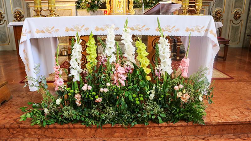 rustykalna dekoracja ołtarza warszawa