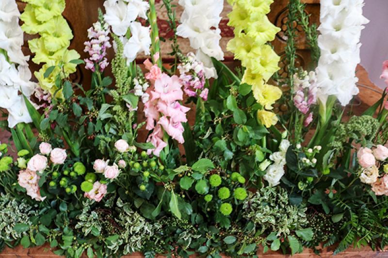 rustykalne kwiaty do kościoła dekoracje ślubne warszawa