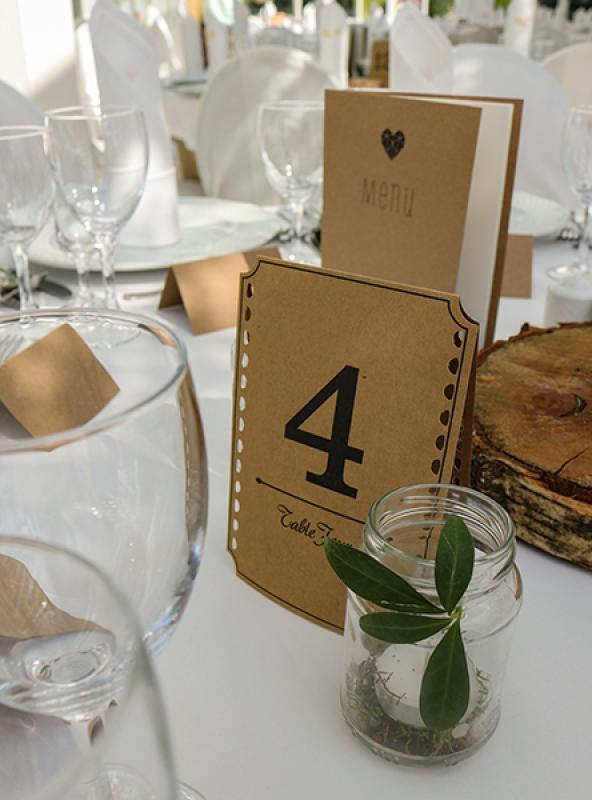rustykalne numer stołów