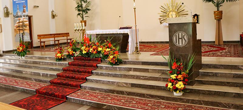 boho w dekoracji kościoła
