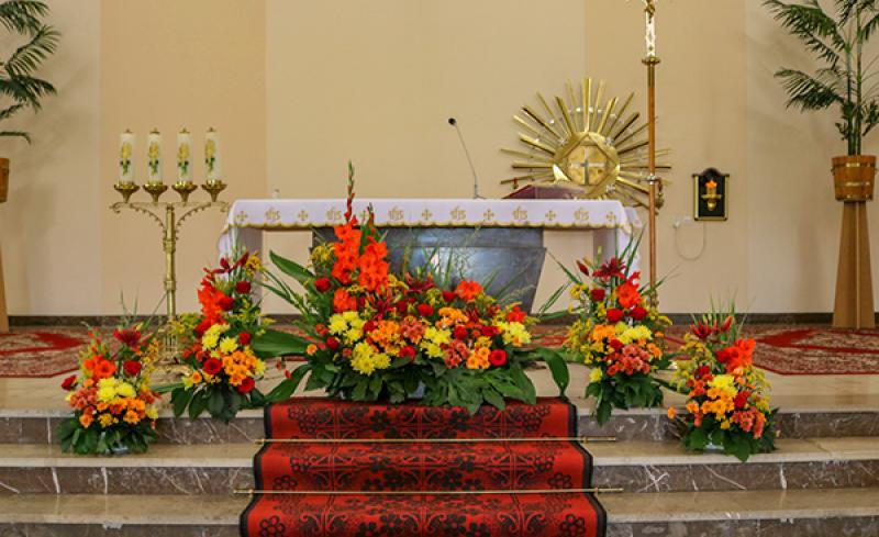 dekoracja kościoła boho
