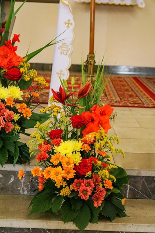 kwiaty boho wystrój kościoła
