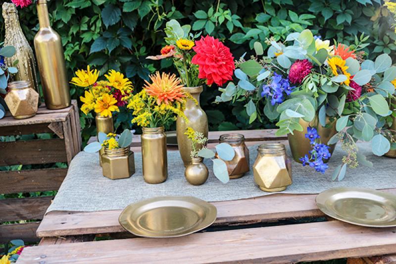 złote podkładki talerze ślub boho