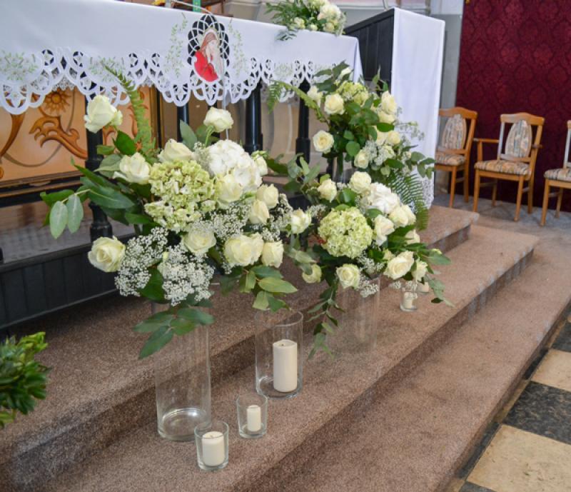dekoracja-oltarza-na-slub