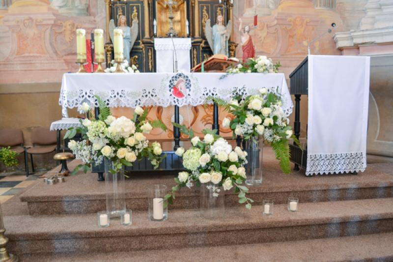 dekoracja-pod-oltarz-slub